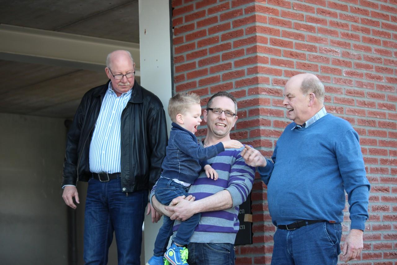 Autobedrijf van aalten huissen nieuwbouw for Appoggiarsi all aggiunta al garage